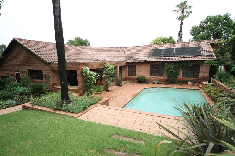 Property For Sale in Sunninghill, Sandton 22
