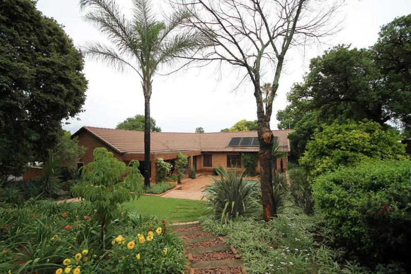 Property For Sale in Sunninghill, Sandton 23