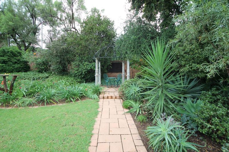 Property For Sale in Sunninghill, Sandton 24