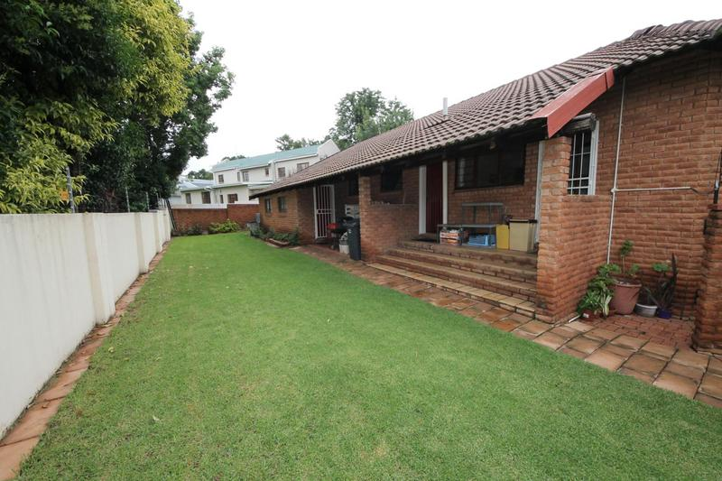 Property For Sale in Sunninghill, Sandton 27