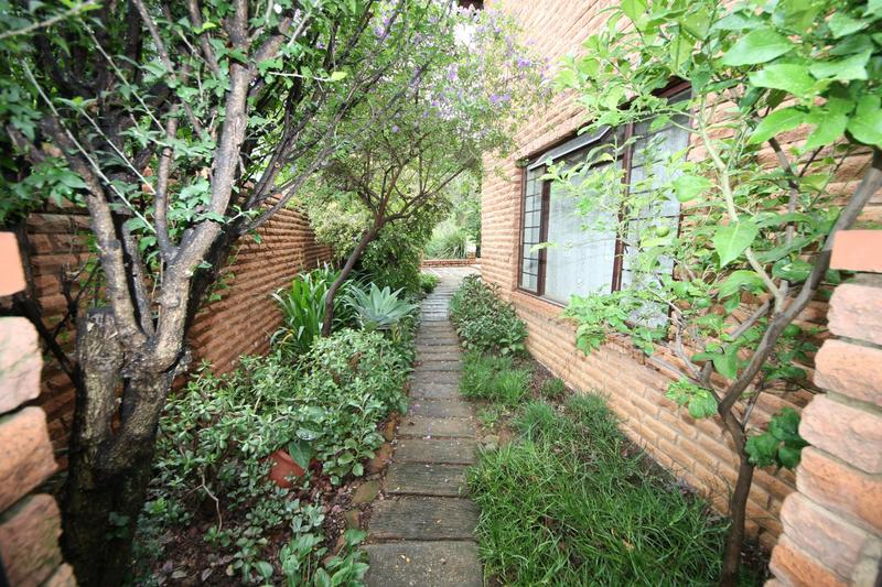 Property For Sale in Sunninghill, Sandton 28